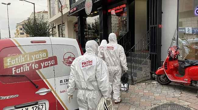 Fatih'te 630 erkek kuaförü dezenfekte ediliyor