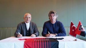 Gaziantep FK, Teknik Direktör Ricardo Sa Pinto ile anlaşmaya vardı.