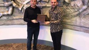 Gölcükspor'dan Ali Koç'a ziyaret