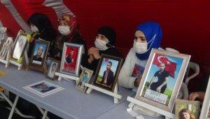 HDP önündeki aileler, çocukları için direnmeye devam ediyor