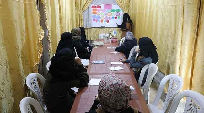 İdlib'te kadın kurs merkezlerinde Türkçe öğretiliyor