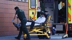 İngiltere'de Covid-19'a bağlı ölümler 3 gündür binin üzerinde