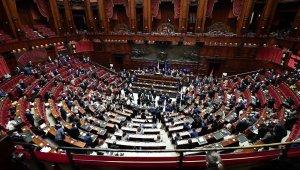 İtalya'da koalisyon hükümeti Temsilciler Meclisi'nden güvenoyu aldı