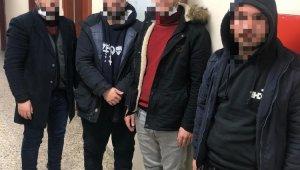 İtalya'ya kaçmak isteyen 4 kişi limandaki konteynerde yakalandı