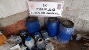 İzmir'de jandarma 600 litre kaçak şarap ele geçirdi