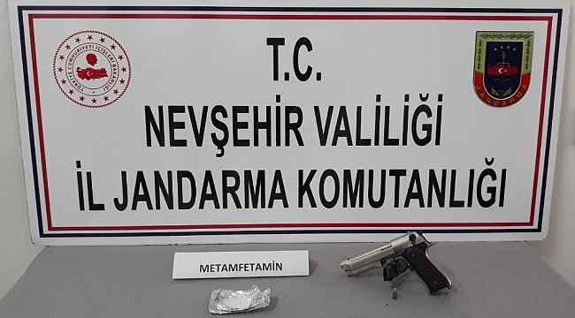 Jandarma uyuşturucudan 1 kişiyi gözaltına aldı