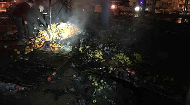 Kapalı pazar yerinde yangın