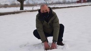 Kar, çiftçinin yüzünü güldürdü - Bursa Haberleri