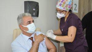 Karaman'da ilk doz aşılar yapılmaya başlandı