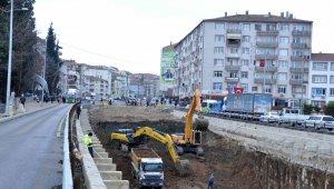 Karamürsel köprülü kavşağında çalışmalar sürüyor
