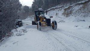 Karla mücadele ekipleri çalışmalara başladı