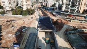 Katlı Kavşak Projesinde sıcak asfalt dökümüne başlandı