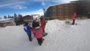 Kayakçılar Uludağ'da tehlikeyi böyle atlattı
