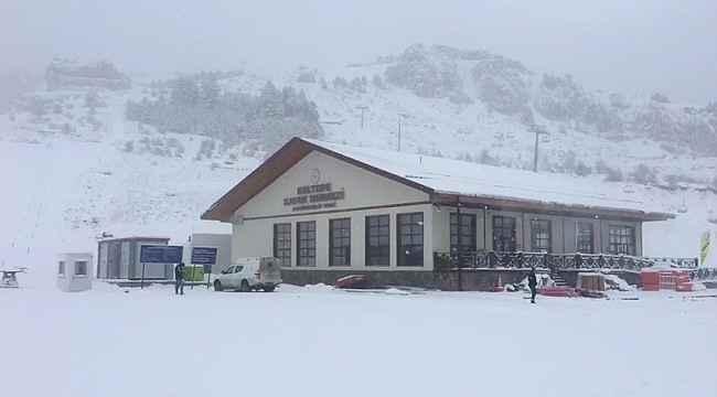 Keltepe Kayak Merkezi'nde kar kalınlığı 15 santimetreye ulaştı