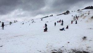 Keltepe Kayak Merkezi'nde sömestr yoğunluğu yaşanıyor