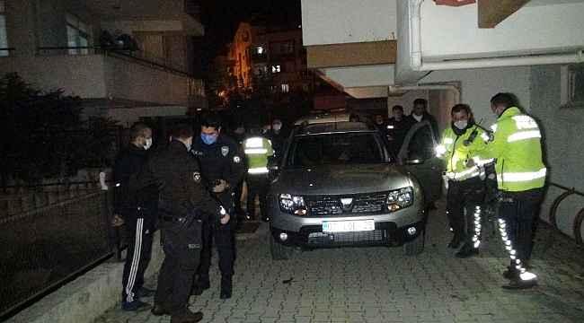 Kısıtlama saatinde polisten kaçıp 15 bin lira ceza yediler