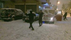 Kütahya'da kar keyfi şölene dönüştü
