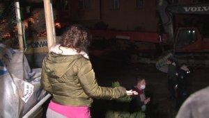 Maltepe'de yıkımı devam eden bina göçtü: Mahalleli sokağa döküldü