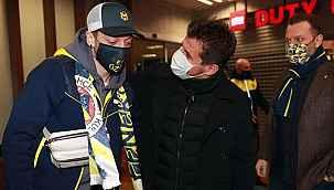 Mesut Özil, Fenerbahçe'yi sosyal medyadan tebrik etti