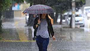 Meteoroloji'den 4 il için kuvvetli yağış ve fırtına uyarısı