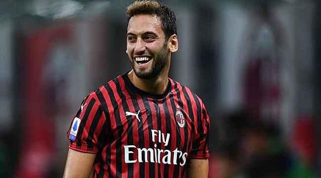 Milan, Hakan Çalhanoğlu'nu takımda tutmak için yıllık 4 milyon euroyu gözden çıkardı
