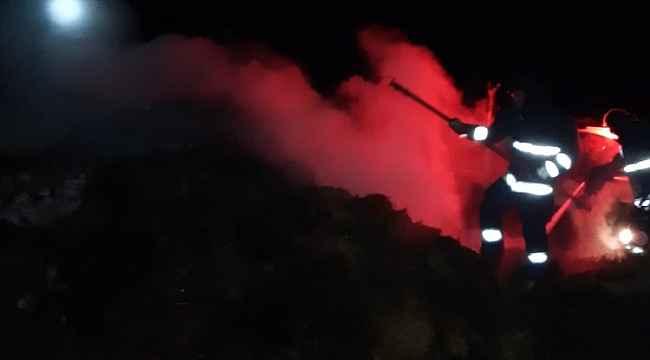Muradiye'de 200 balya ot yandı
