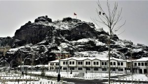 Osmancık güne karla yağışı ile uyandı