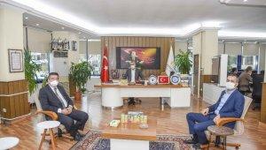 Özkan'dan sağlıkçılara teşekkür - Bursa Haberleri