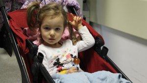 Pitbull saldırısına uğrayan minik Bahar hastaneden taburcu oldu