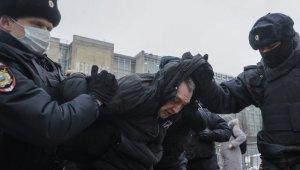"""Rusya'nın doğu kentlerinde """"Navalny"""" protestoları başladı"""