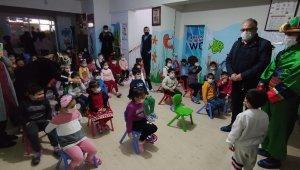 Şanlıurfa'da çocuklar için gölge oyunu