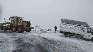 Şanlıurfa'da karla mücadele çalışmaları
