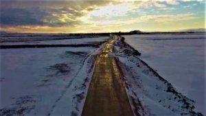 Şanlıurfa'da karla mücadele havadan görüntülendi