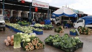 Sebze ve meyvede üretim düştü, ciro arttı