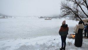 Simav Gölcük Krater Gölü dondu