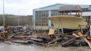 Sinop'ta Kuru ailesi 3 kuşaktır ahşap tekne üretiyor
