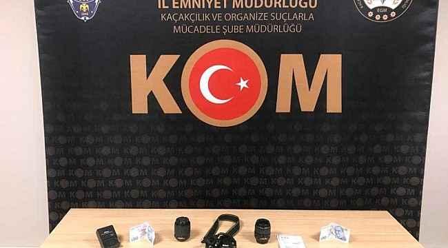 Sivas'ta sahte parayla fotoğraf makinesi aldılar, yakayı ele verdiler