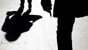 Sokağa çıkma yasağını delen iki kız, 65 yaşındaki adamın cinsel istismarına uğradı