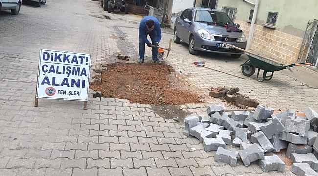 Soma'da yol onarım çalışmaları devam ediyor