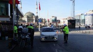 """Taksim'de """"Türkiye Güven Huzur Uygulaması"""" gerçekleştirildi"""