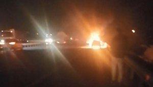 TEM'de seyir halindeki otomobil alev alev yandı