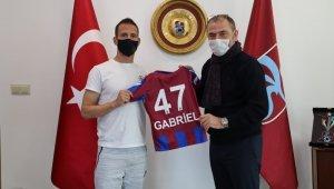Trabzonspor'dan Pereira'ya teşekkür plaketi