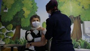 Türkiye Hastanesi'nde aşılama çalışmaları başladı