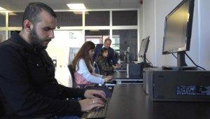 Üniversitenin geliştirdiği yazılımlar engelli öğrencilere kolaylık sağlıyor
