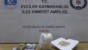 Uyuşturucu operasyonunda 3 kişi gözaltına alındı