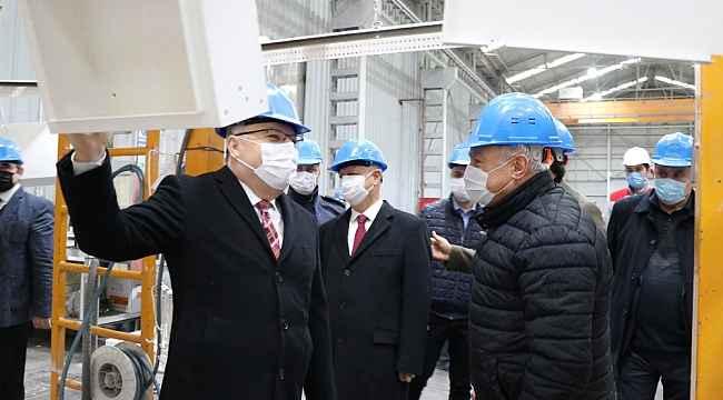 Vali Tutulmaz 90 ülkeye ihracat yapan jeneratör fabrikasını inceledi