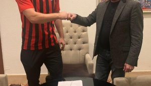 Vanspor FK. 3 oyuncuyu renklerine bağladı