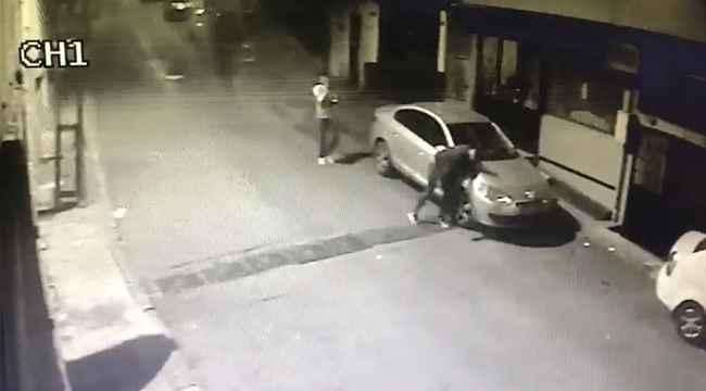 Yılbaşı gecesi vatandaşları şoke eden bıçaklı saldırı kamerada