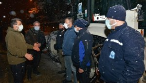 Yılmaz'dan gece kar mesaisi - Bursa Haberleri