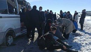 Yolcu minibüsü takla attı: 8 yaralı